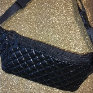 black fanny pack (new)